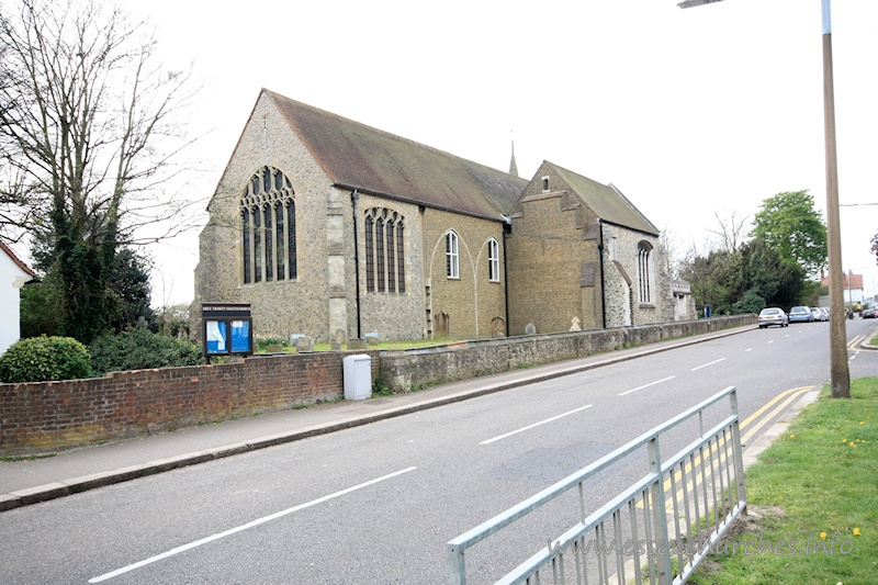 Holy Trinity, Southchurch Church - This image shows the further extension by F.C. Eden, between 1931 and 1932, when the chancel was extended eastwards. This greatly extended the length of the church, but it is clear from the yellow brickwork that further enlargement was planned, but never achieved.